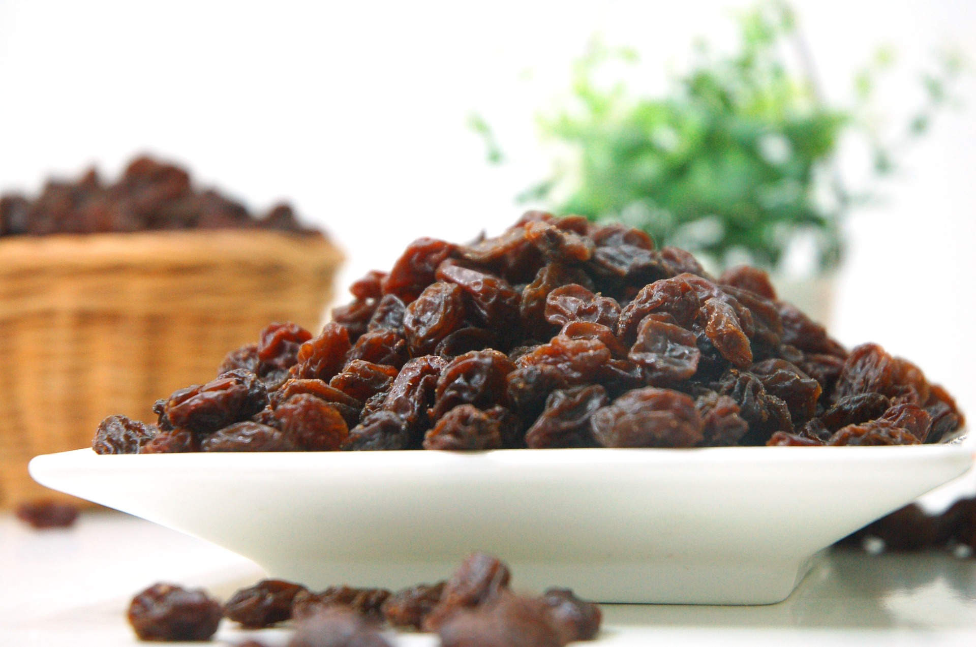 So you think you know raisins? | Clearly Scrumptious